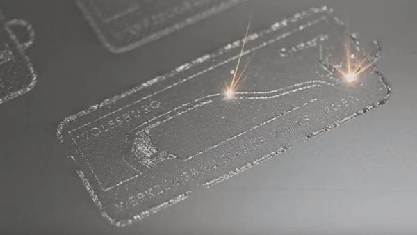 Abb: 3D-Drucker, der Metall-Teile druckt: https://www.youtube.com/watch?v=RrkMsLuI644